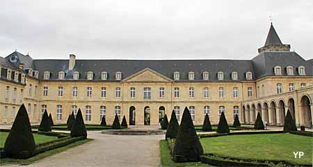 Conseil r&eacute;gional de Basse-Normandie (Abbaye aux Dames) (<i>Yalta Production</i>)