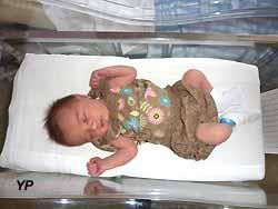 nouveau-né dans son berceau