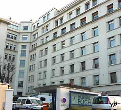 hôpital Foch (doc. Yalta Production)
